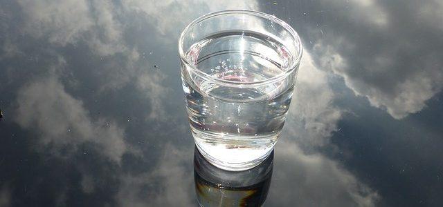 Le poids d'un verre d'eau sur notre joie